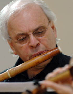 Greg Dikmans playing a baroque flute